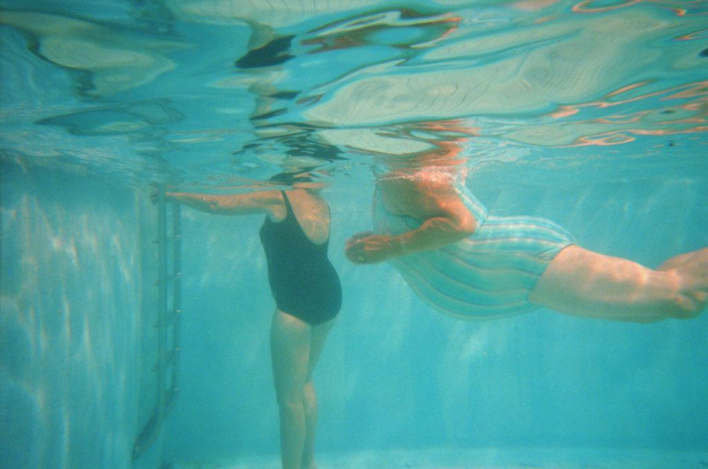 8 Gestures in Water